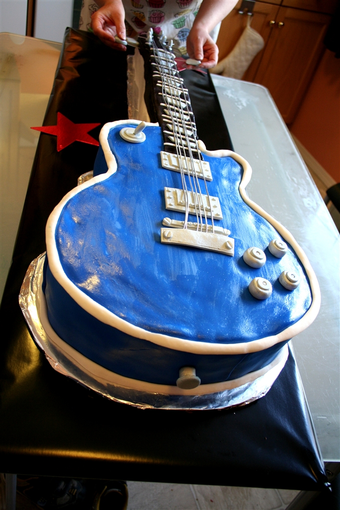 electric guitar cake dennas ideas
