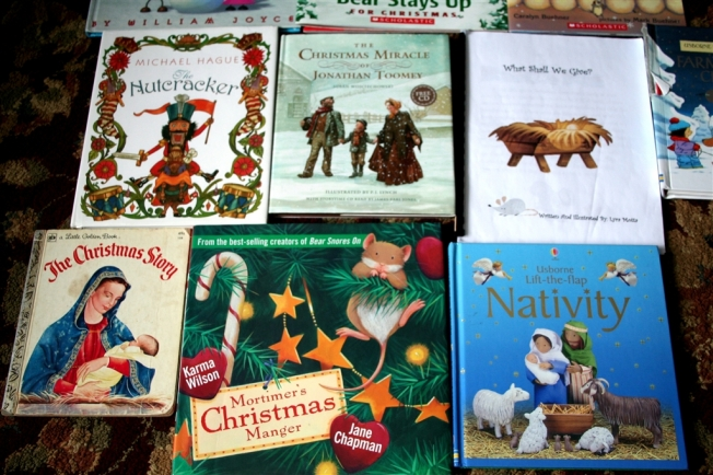 "denna's ideas: ""green"" Advent countdown books"