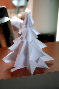 denna's ideas: a home-made Christmas paper tree