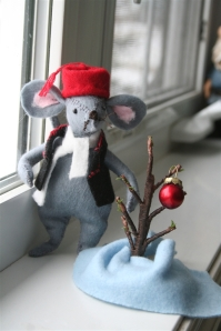 denna's ideas: a new tradition, the Christmas Mouse in the House!