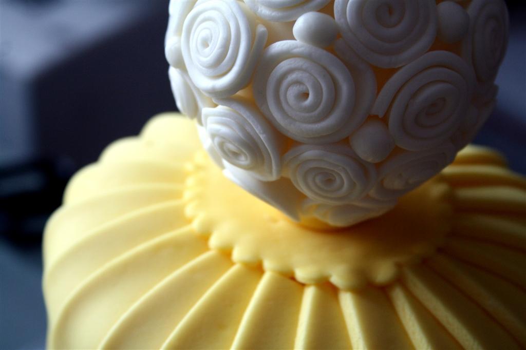 Black And Yellow Cake Dennas Ideas