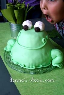 Happy Froggie Cake