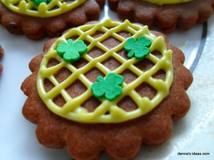 denna's ideas: St. Patrick's Day Ideas Shamrock Cookies