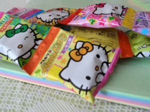 denna's ideas: Hello Kitty Party Ideas, HK party gum favors