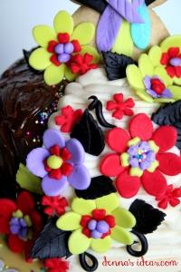 denna's ideas: mayo fiesta parrot cake