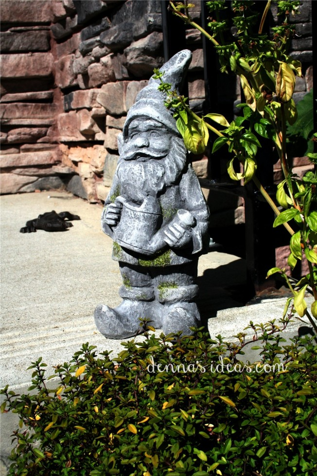dennasideas.com_my garden harvest - new gnome