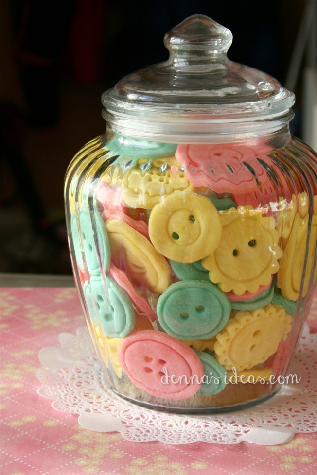 denna's ideas: button cookies for a sewing party