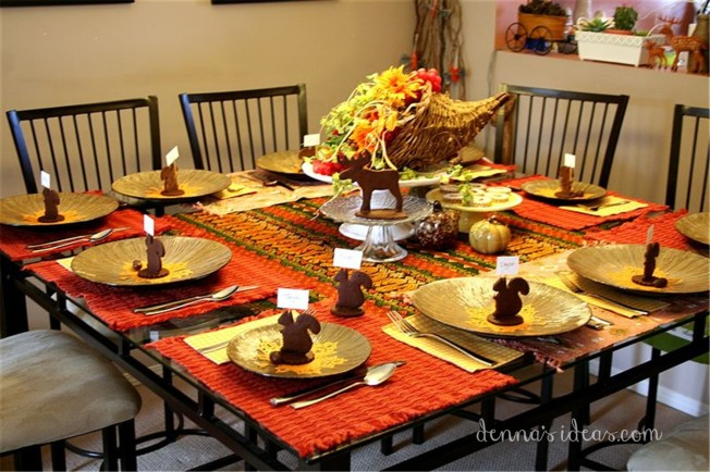 Thanksgiving tablescape and place cards by dennasideas.com