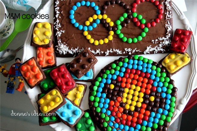 how to make Olympic ring cookies with M&Ms and Nutella by dennasideas.com