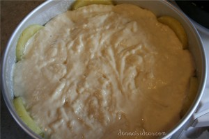 how to make pineapple upside-down cake by dennasideas.com