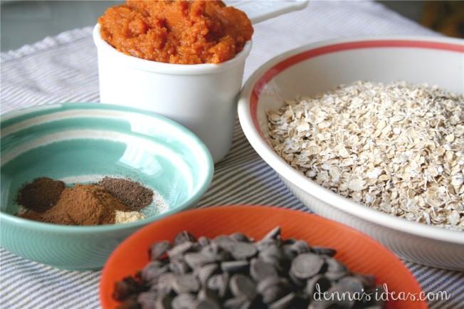 Pumpkin Oatmeal Cookies by dennasideas.com