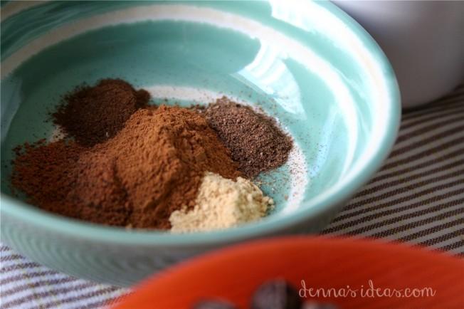 Pumpkin spice for Pumpkin Oatmeal Cookies by dennasideas.com